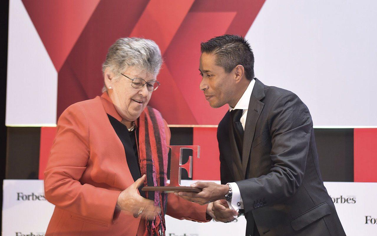 premio-forbes-ca-2016