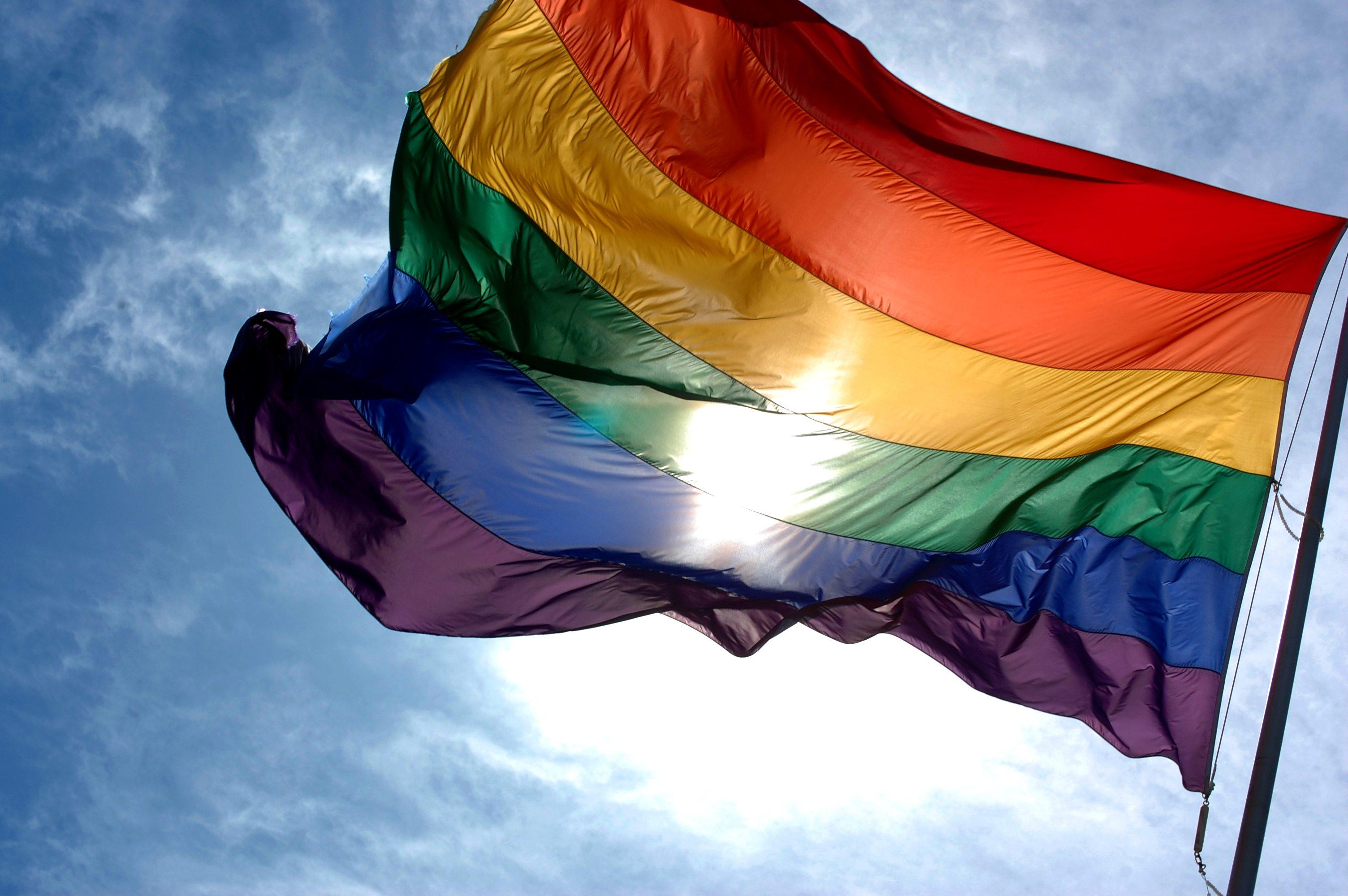 Personajes LGBT, al alza en TV de Estados Unidos pese a Trump