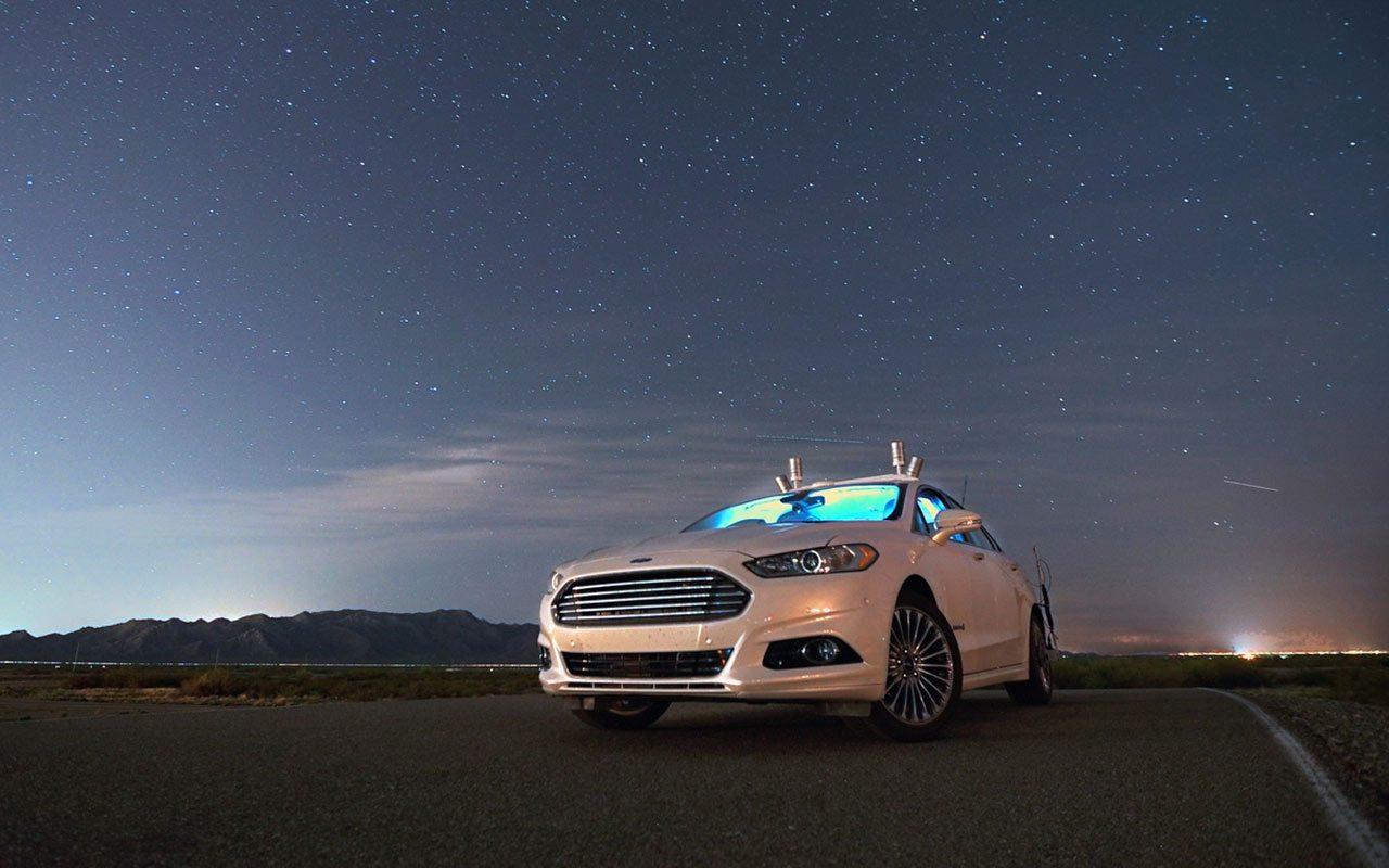 El Fusion híbrido con sensores lidar en el techo. (Foto: Cortesía de Ford.)