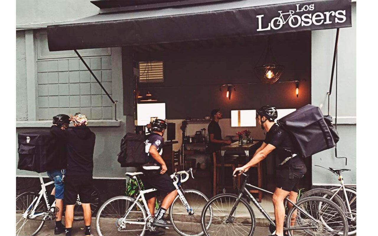 Los perdedores que triunfaron con comida vegana y bicicletas