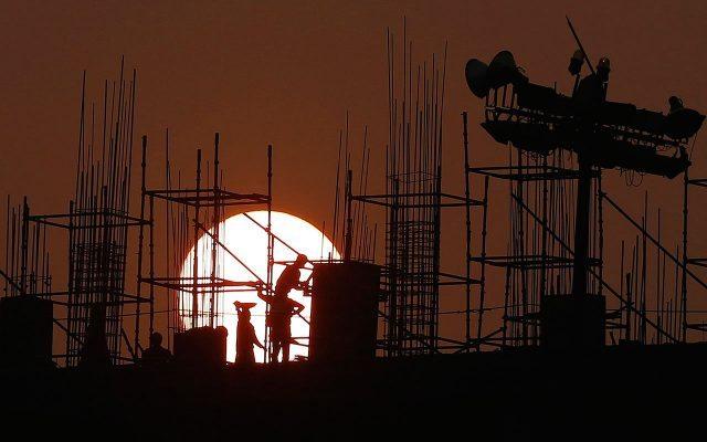 Empleados de la construcción. (Foto: Reuters.)