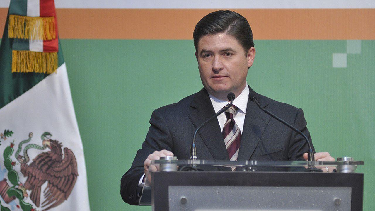 Exgobernador Rodrigo Medina libra acusación por caso Kia