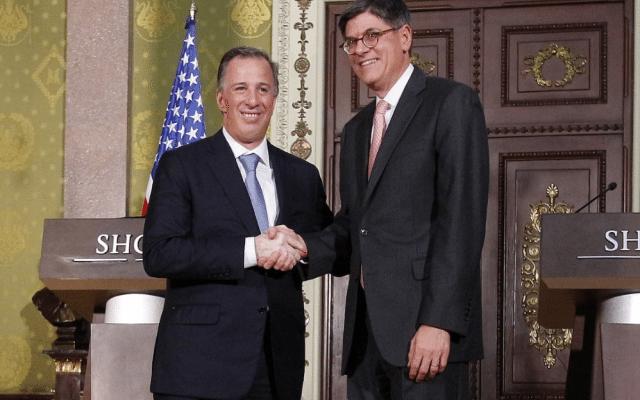 El Secretario del Tesoro de Estados Unidos, Jack Lew y el titular de Hacienda, Antonio Meade (Foto: Hacienda)