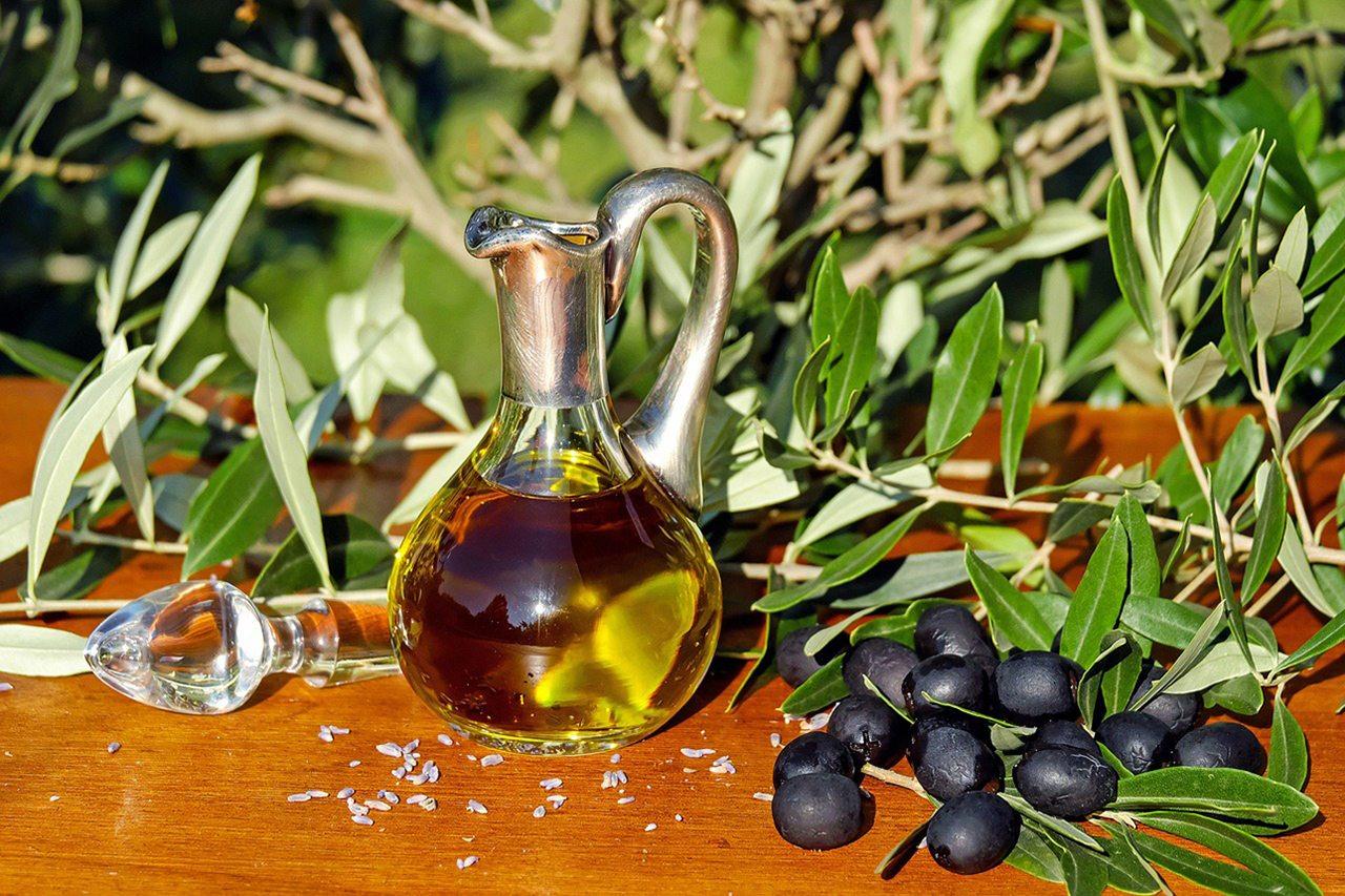 Aceite de oliva y jamón ibérico, dos placeres fuera de este mundo