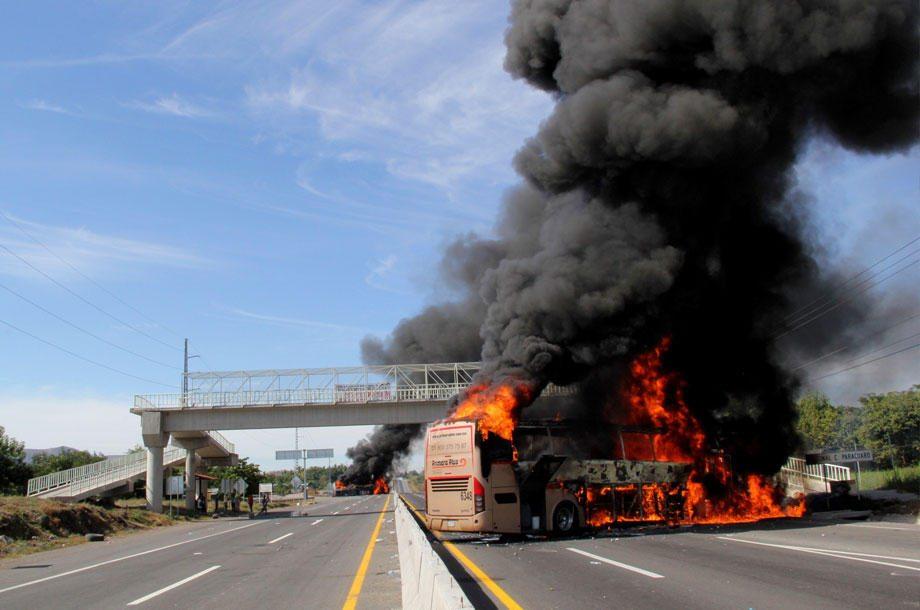 Violencia amenaza a autobuses de pasajeros; 50% del mercado es informal