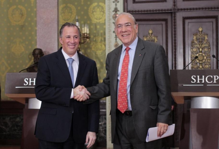 Foto: Ángel Gurrría secretario general de la OCDE (derecha) con Antonio Meade, titular de Hacienda (Foto: @SHCP)