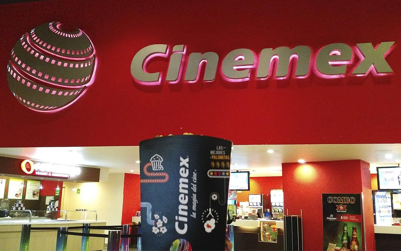 """Dólar fuerte """"revienta"""" hasta las palomitas de Cinemex"""