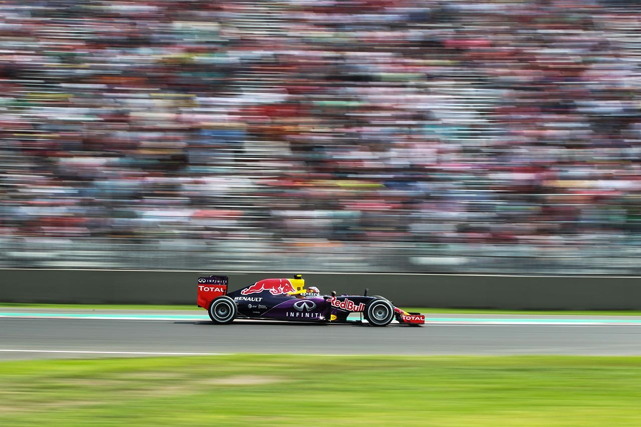 Daniil Kvyat (RUS) Red Bull Racing RB11 at Formula One World Championship, Rd17, Mexican Grand Prix, Race, Circuit Hermanos Rodriguez, Mexico City, Mexico, Sunday 1  November 2015.