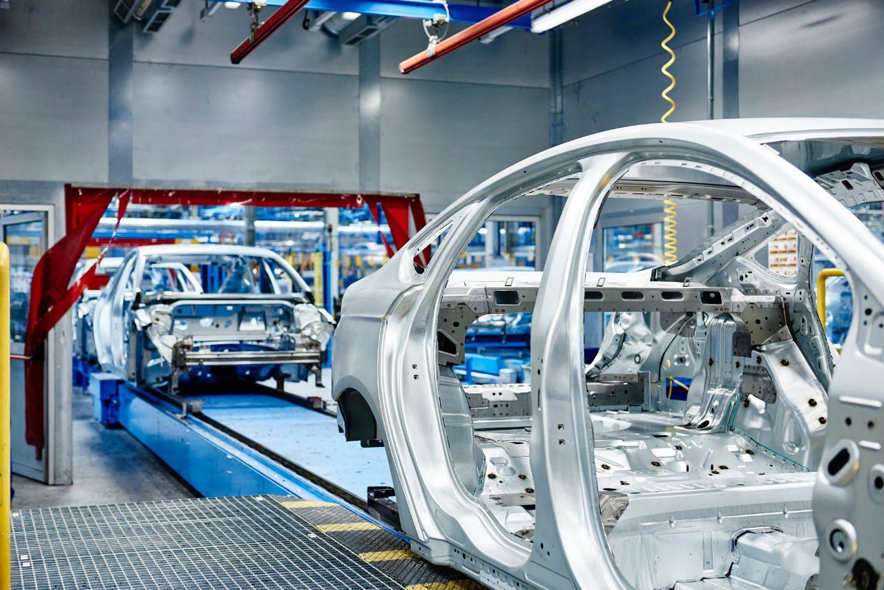 Ford iniciará en noviembre operación de nueva planta en México