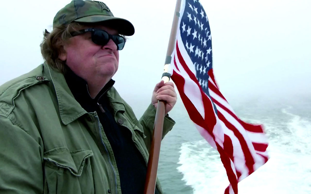 Michael Moore compara a Trump con Hitler en nuevo documental