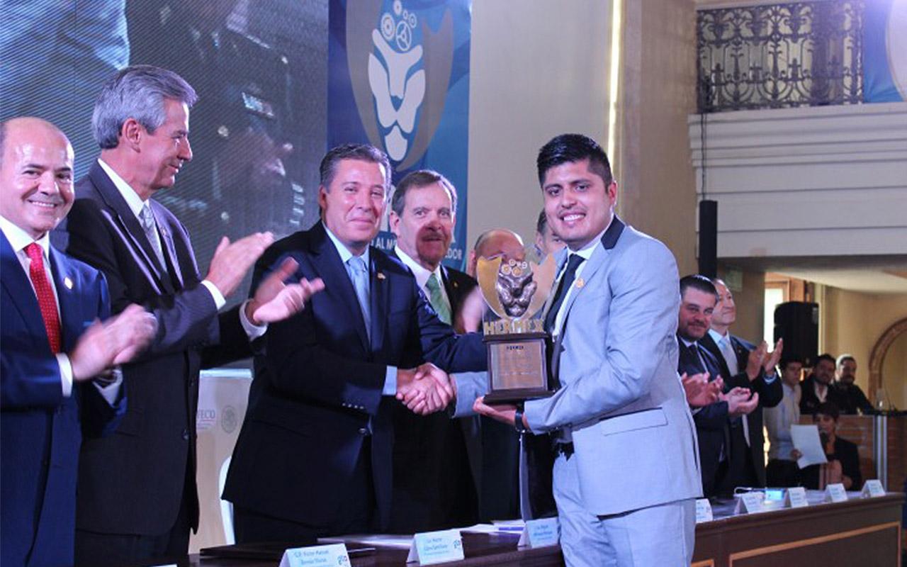 Aprendizajes de poder de Juan Carlos Zamora, Premio Hermex 2016