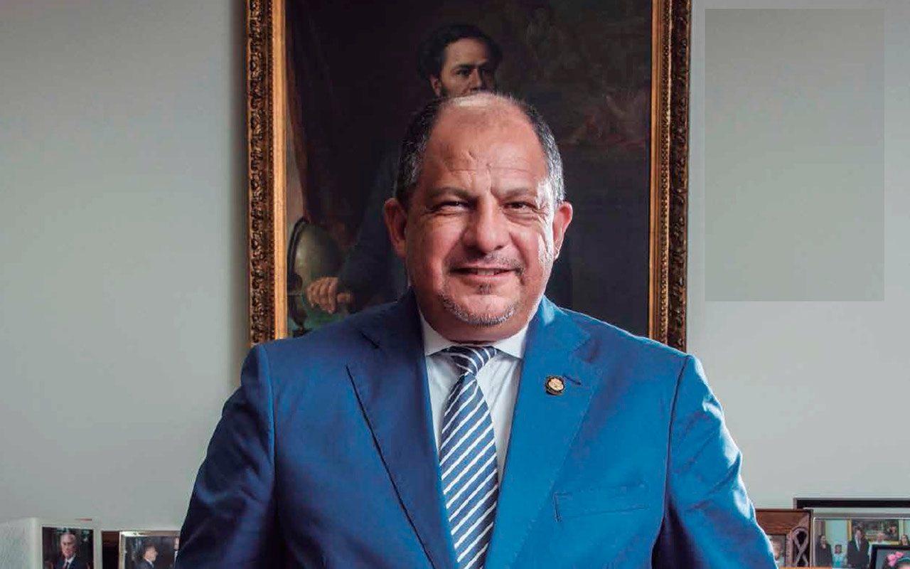 Presidente de Costa Rica se reúne con inversionistas holandeses