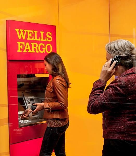 Wells Fargo reduce 2% sus utilidades tras escándalo en EU