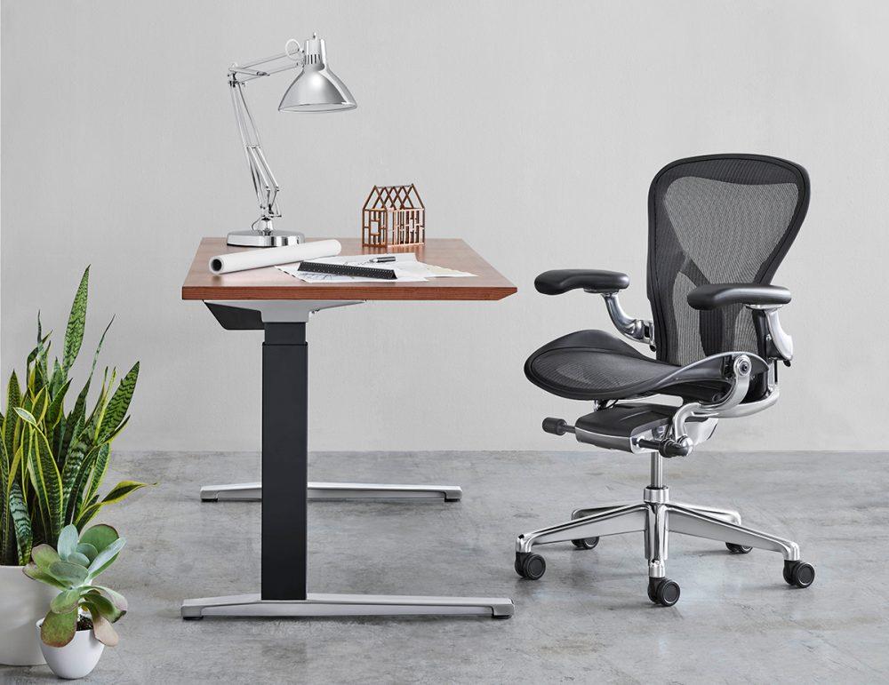 Herman Miller renueva Aeron; la silla de las 7 millones de piezas vendidas