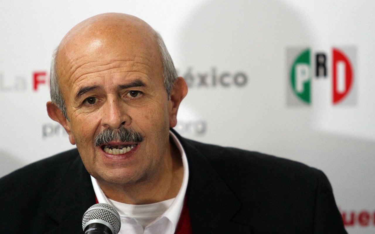 Fausto Vallejo se registra como candidato para alcaldía de Morelia