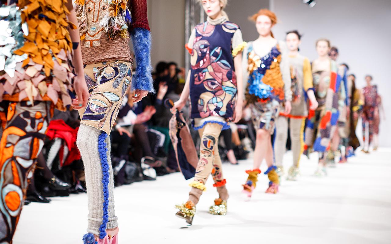Estar a la moda puede ser malo para tu bolsillo y el planeta