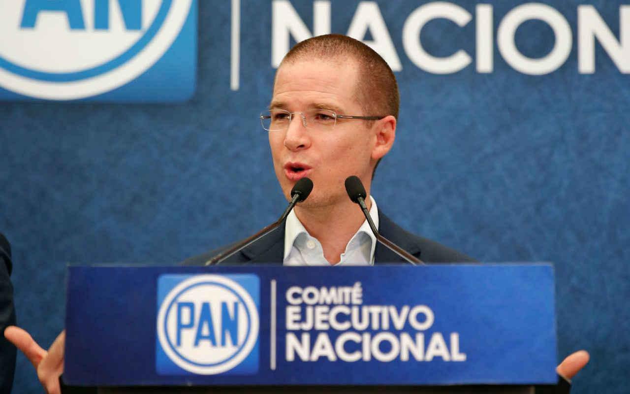 Ricardo Anaya acude a la PGR para aclarar acusaciones en su contra