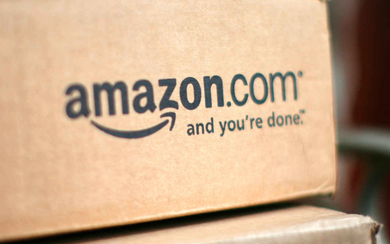Amazon lidera ganancias en sesión corta de Wall Street