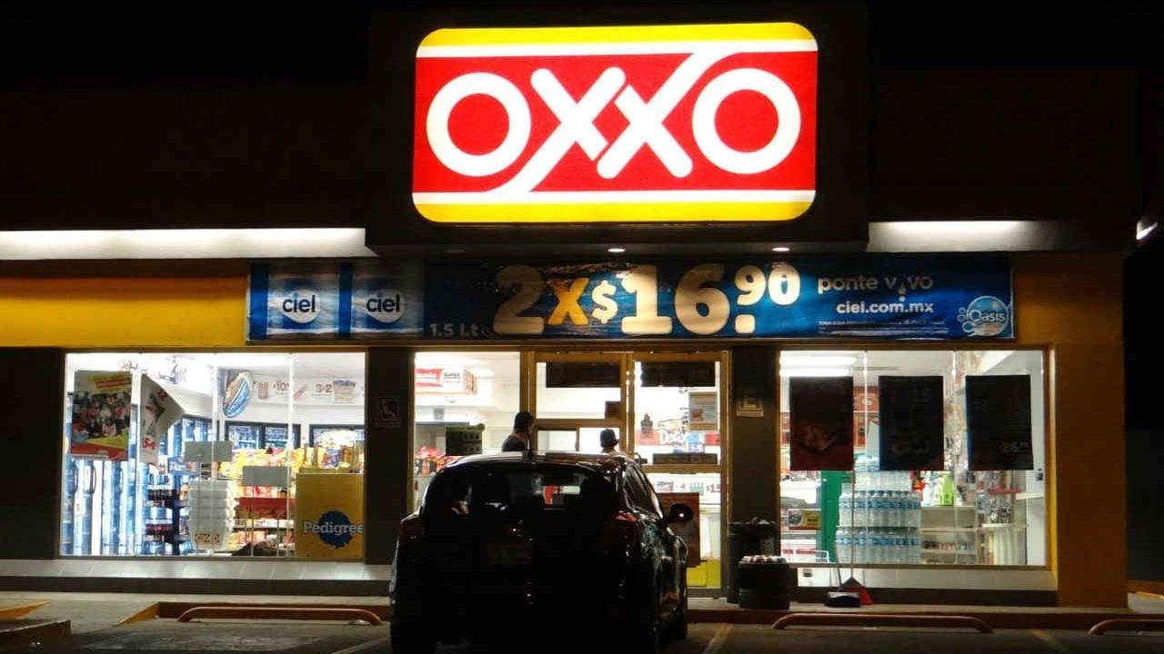 Los dos 'buenos tragos' que Oxxo obtendrá por vender Corona