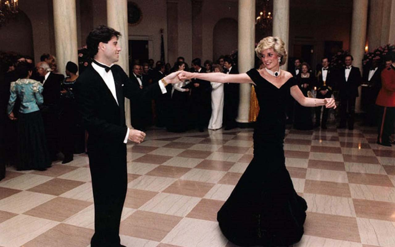 La nueva exposición que revive a la Princesa Diana a través de la moda