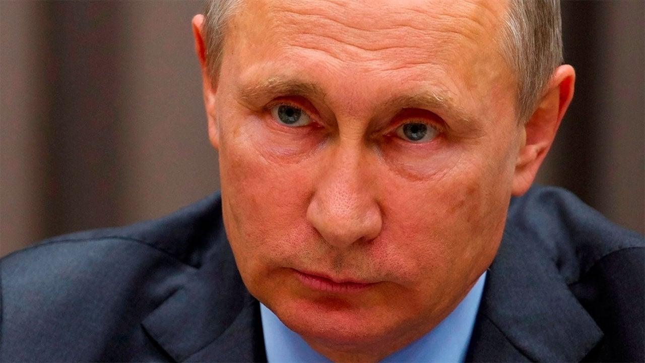 Putin califica de ataque a la libertad de expresión el veto a medios rusos en EU