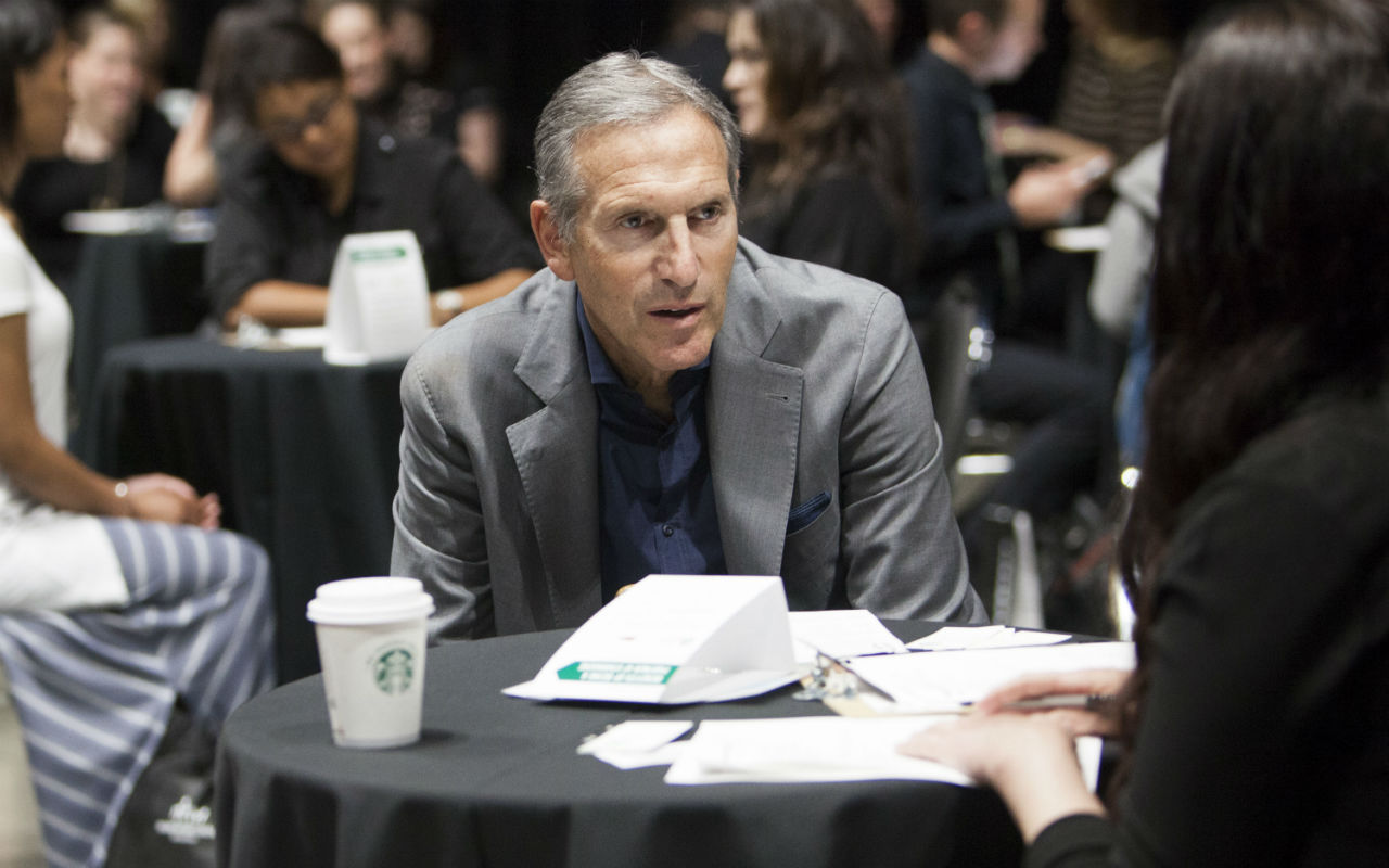 Ex-CEO de Starbucks quiere ser presidente de Estados Unidos