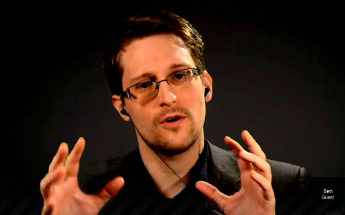 Snowden en busca del indulto afirma que no reveló ningún secreto