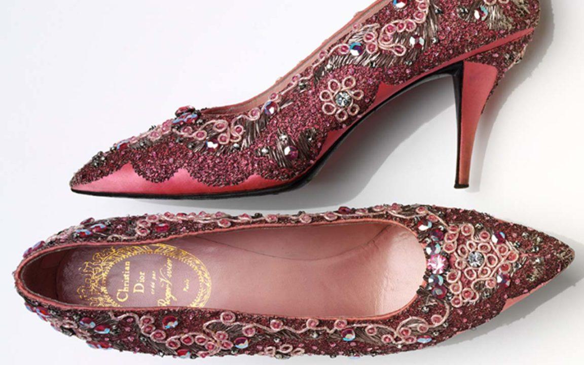Zapatos: placer y dolor en esta exposición