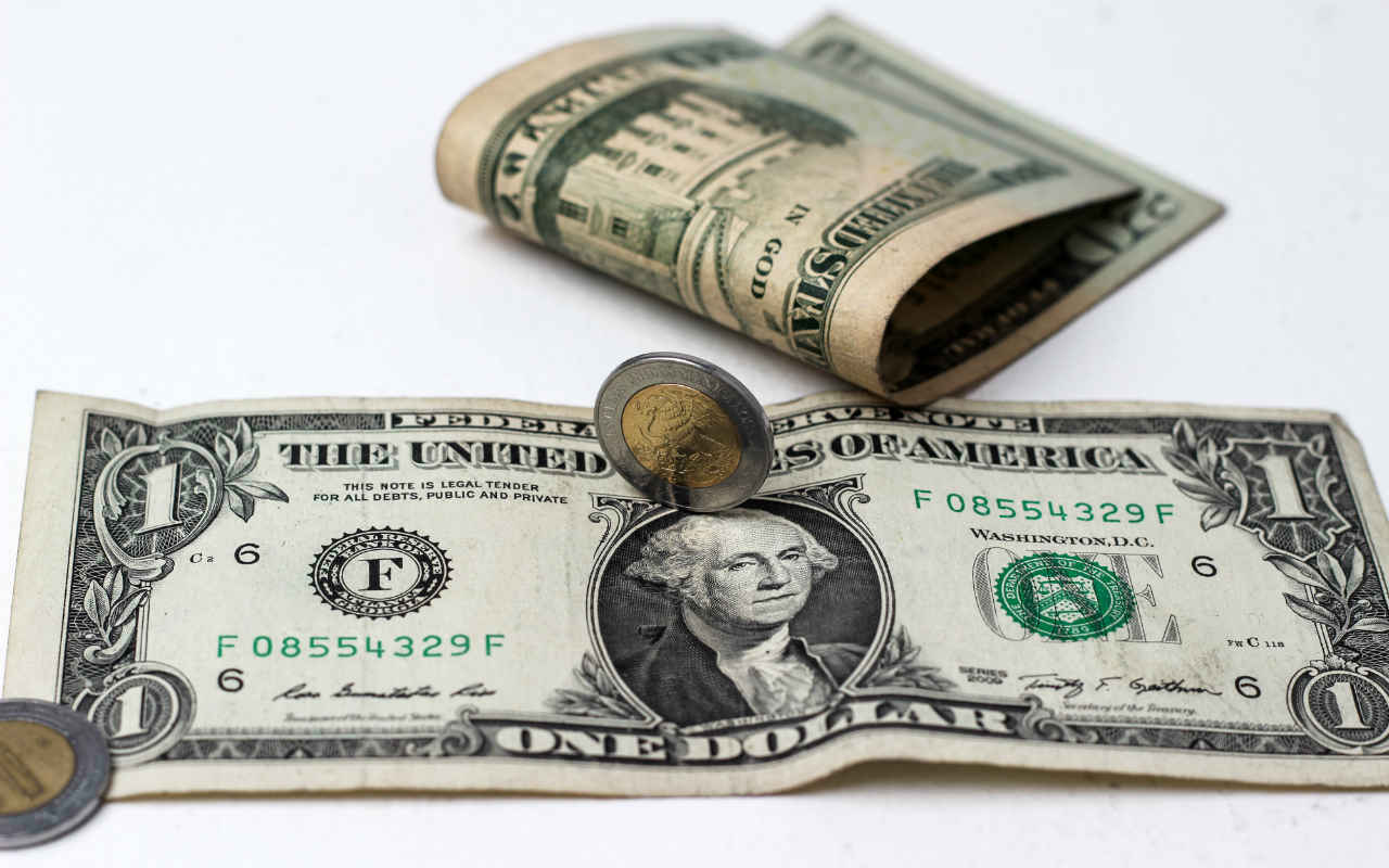 Peso, BMV y Wall Street reportan pérdidas