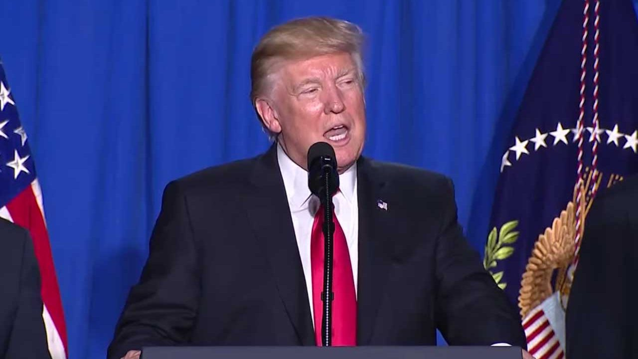 Trump deja en paz a los 'dreamers' y extiende el programa DACA
