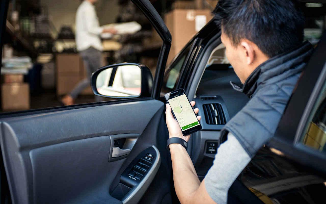 SHCP pacta cobro de impuestos a choferes y repartidores de Uber y otras apps