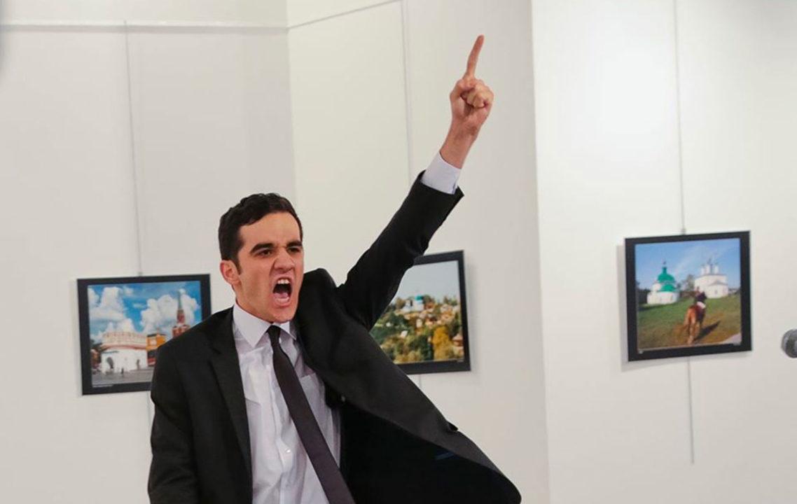 Foto de asesinato de embajador ruso gana el World Press Photo 2017