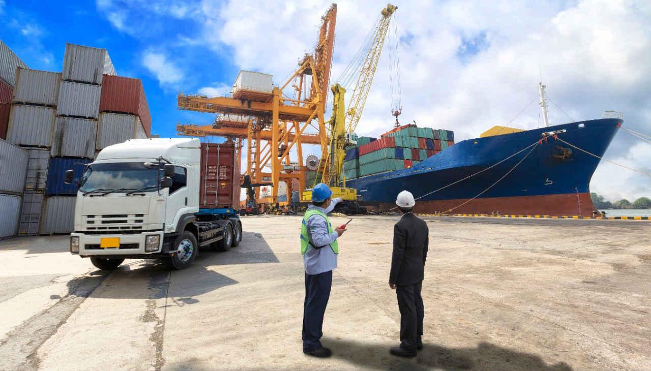 Exportaciones mexicanas crecen 17% anual en abril