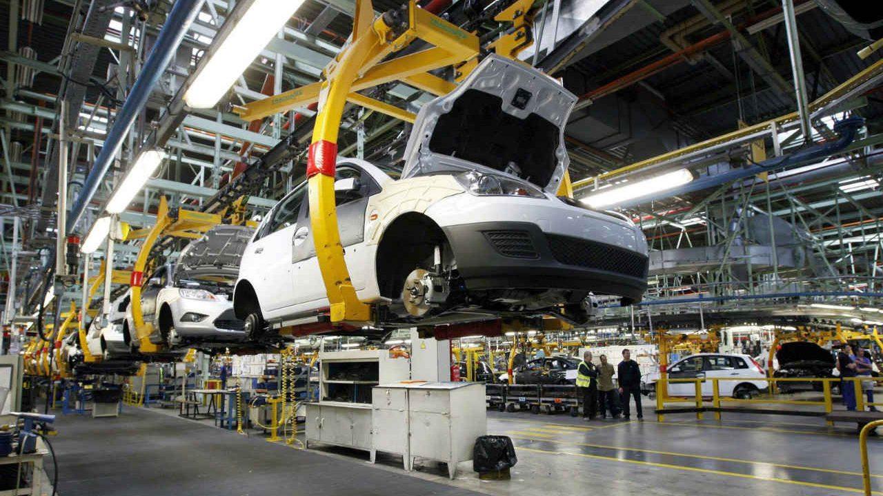 Exportaciones de autos en México caen durante agosto