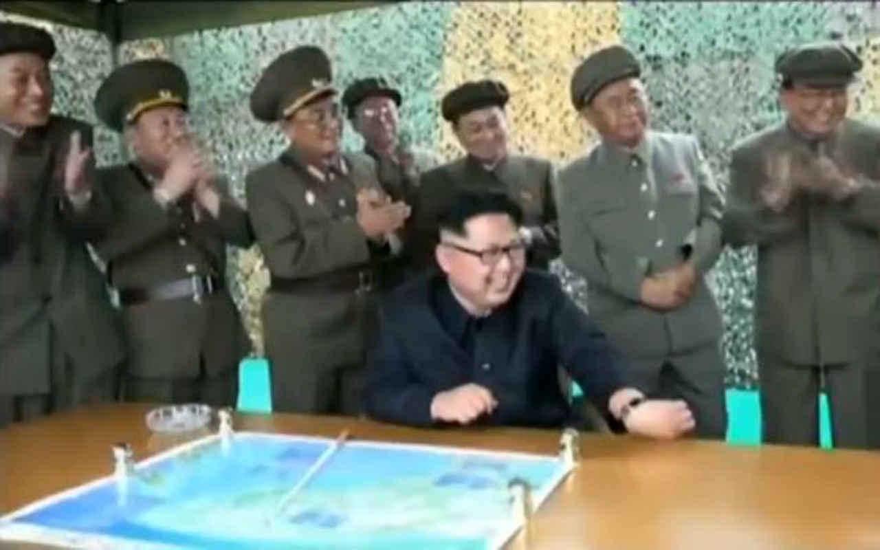 Corea del Norte desafía a Trump, alardea por lanzamiento de misil