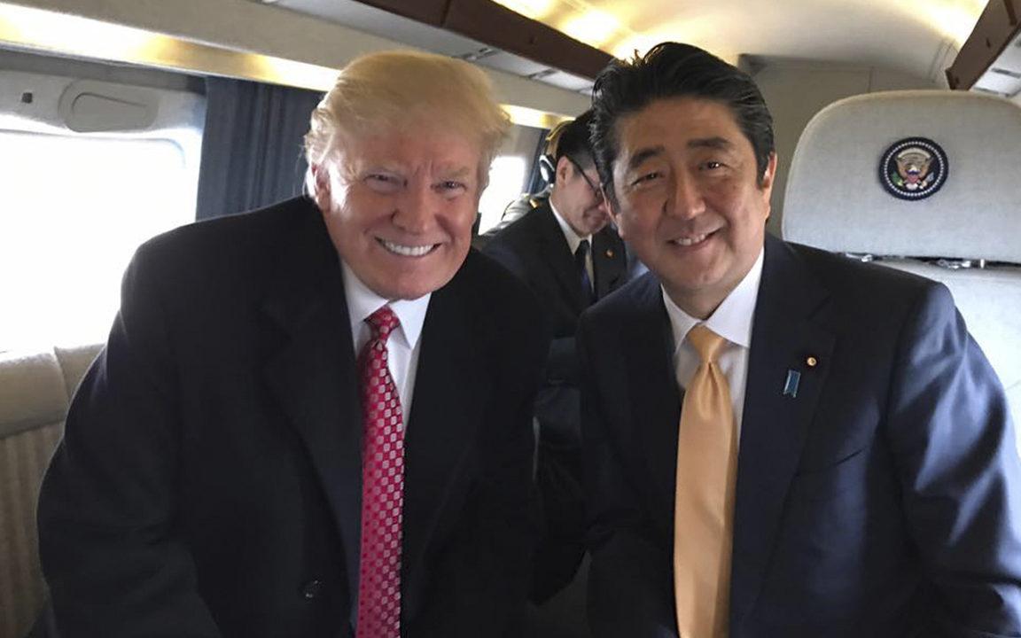 Trump incomodó al primer ministro japonés en su visita