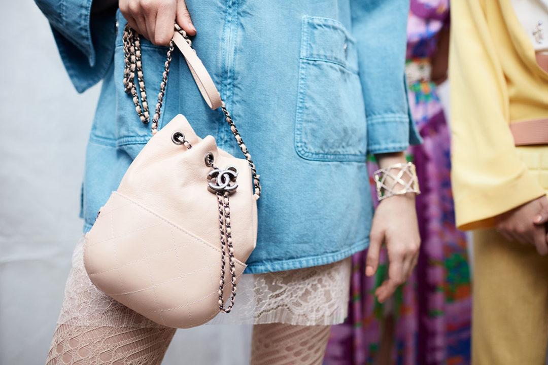 La esencia de Gabrielle Chanel plasmada en esta bolsa