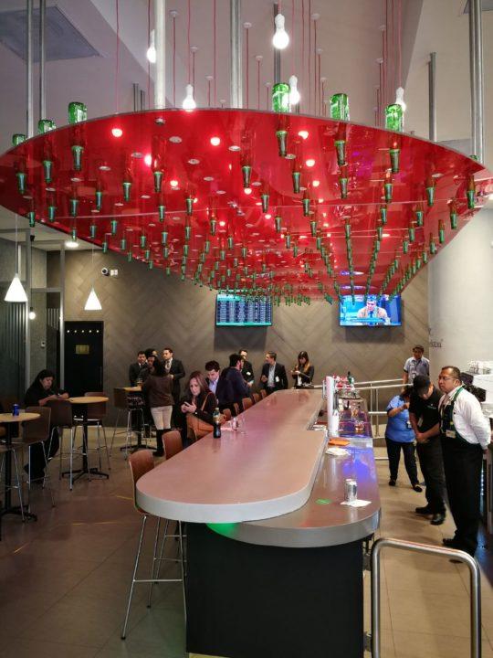 Aeroméxico y Heineken inauguran un bar para viajeros en el AICM
