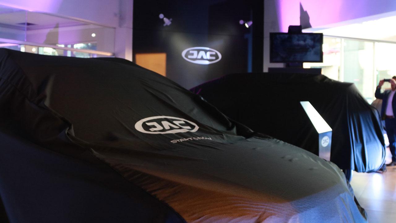 JAC lanza su sedán J4 Trend hecho en Hidalgo
