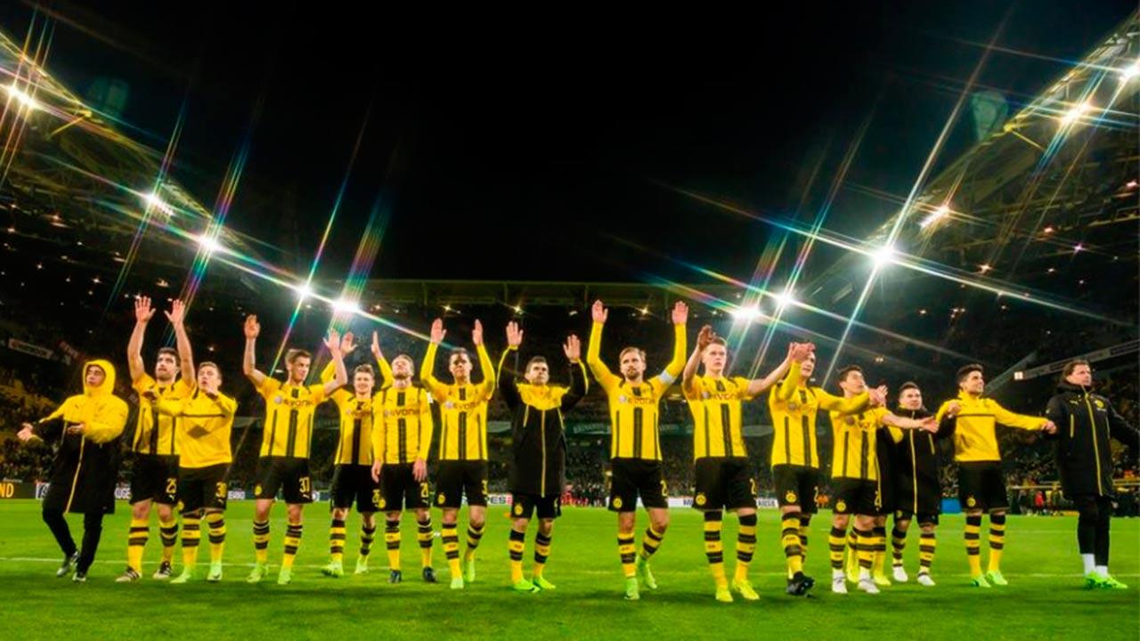 Cancelan partido Borussia-Mónaco por explosión en autobús
