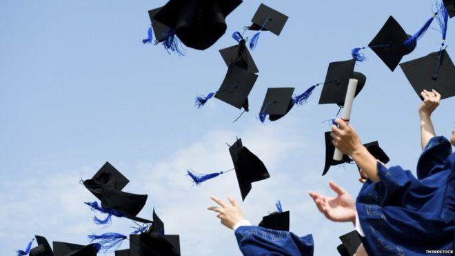 ¿Vale la pena seguir pagando por estudiar?