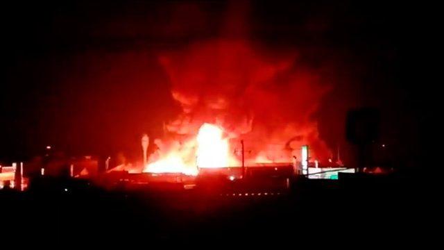 Se incendia fábrica de químicos en Toluca