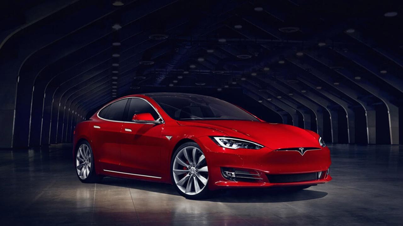 Tesla investiga explosión de un modelo S en Shanghái