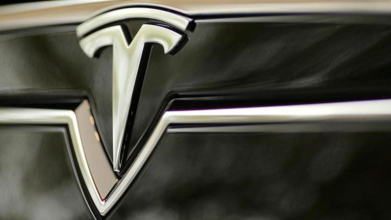 Tesla forma panel para evaluar acuerdos de Elon Musk