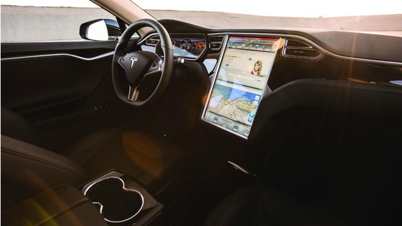 Teslaprevé escasez mundial de minerales para baterías de autos eléctricos