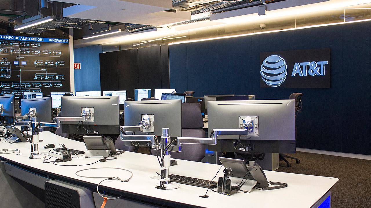 Ingresos de AT&T registran una baja en el cuarto trimestre de 2018