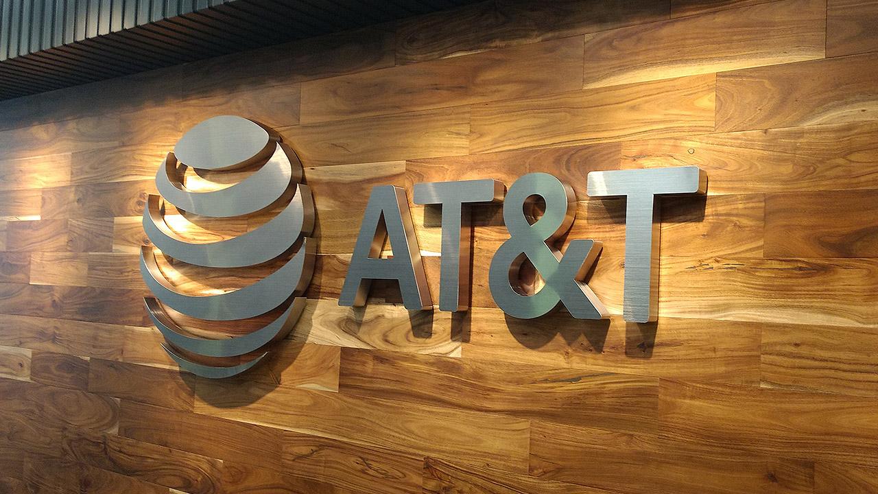 Demanda de Profeco fue antes de entrar al mercado, responde AT&T