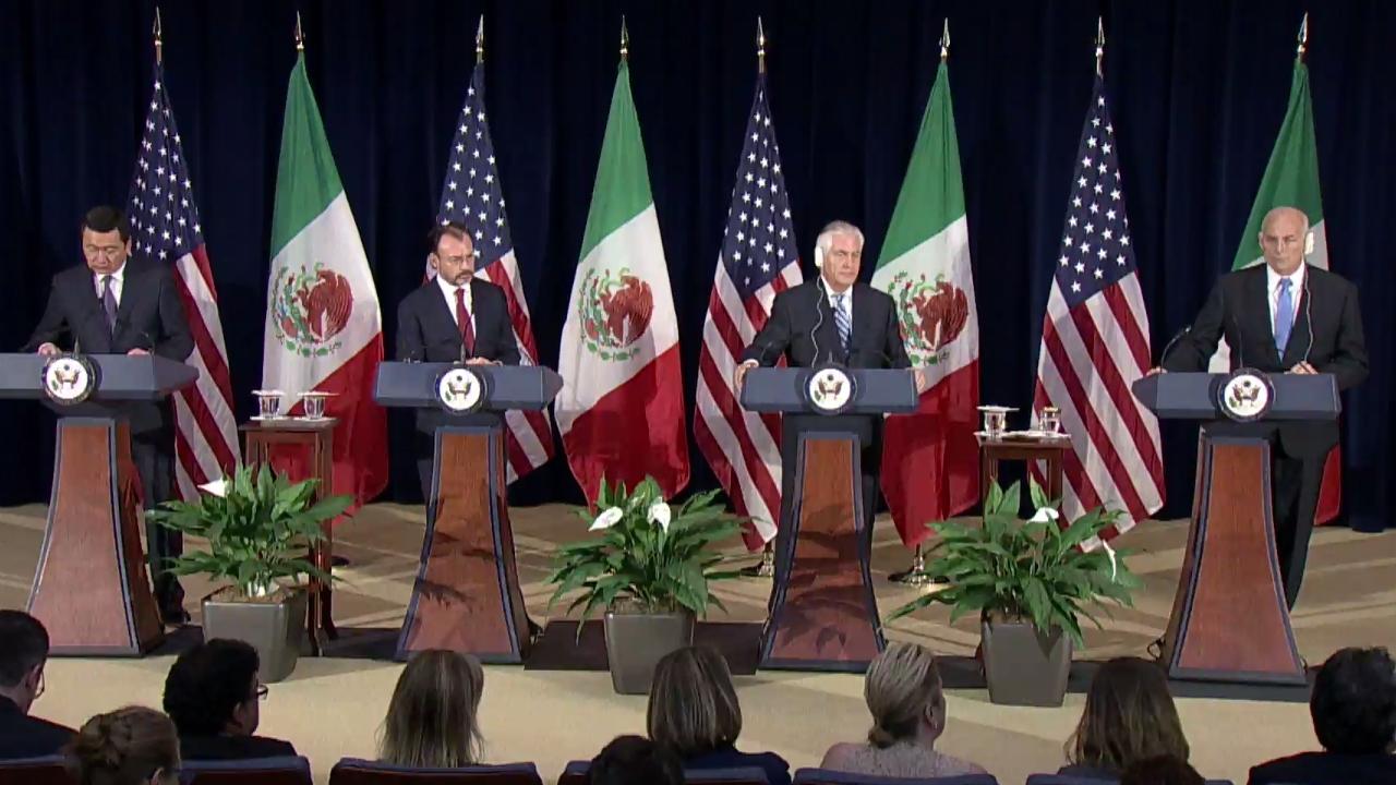 Videgaray pide que renegociación del TLCAN sea entre los tres países