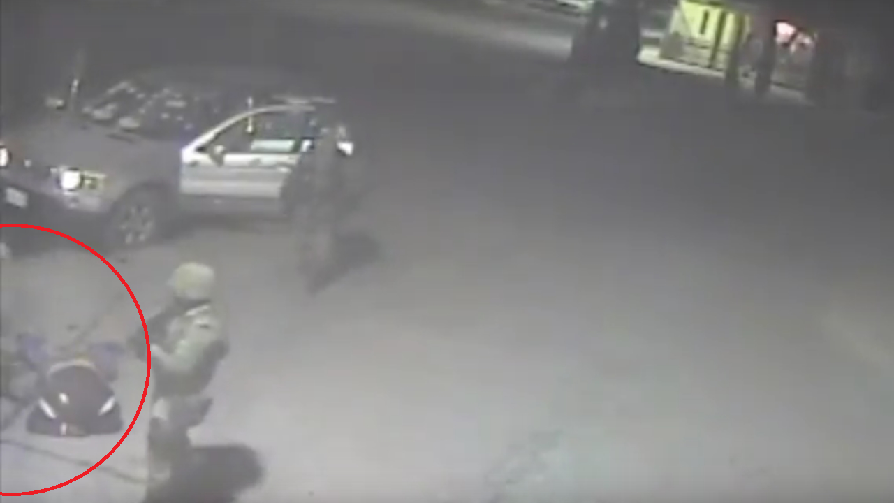 ¿Qué ocurrió en Palmarito? Videos exhiben agresión a soldados y ejecución militar