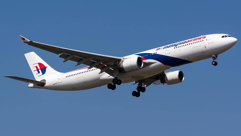 """""""Pasajero conflictivo"""" obliga a avión de Malaysia Airlines a regresar"""